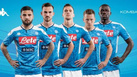 Ecco la nuova maglia del Napoli