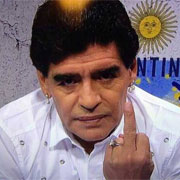 """Maradona: """"Dani Alves è un poveraccio"""""""